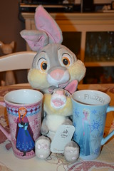 Plush Thumper and Mug Frozen (MissLilieDolly) Tags: bambi disney panpan thumper fleur flower biche monsieur le hibou mr owl deer fline miss bunny collection plush peluche mug la reine des neiges frozen princesse princess elsa anna olaf sven kristoff hans duc de weselton guimauve marshmallow oaken froid cold hiver winter missliliedolly lilie dolly aurelmistinguette