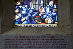 Stained glass window in the church of St-Grard, Marbotte (Meuse) (Sokleine) Tags: france heritage church window remember wwi stainedglass souvenir vitrail soldiers 55 greatwar lorraine glise meuse 1418 soldats grandest grandeguerre stgrard marbotte
