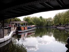 Little Venice, à Londres (Dahrth) Tags: london canal londres sluice littlevenice waterway microfourthirds panasoniclumixgf1 lumix20mm 20mmpancake gf120 lumixmicroquatretiers lumixμ43