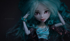 Joy as sea monster (dancingmorgana) Tags: blue sea monster high doll ooak wig custom sunless repaint reroot lagoona monsterhigh