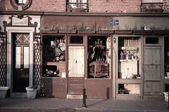 _SDI1597 (Sivispacem...) Tags: street france art shop magasin 18 brocante antic merrill 1835 sd1 antiquite