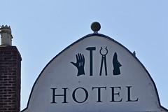 An Hotel Gable (Chris Mullineux) Tags: wales hotel symbols gable denbigh northwales bullhotel
