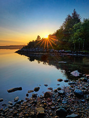 Lindy, Norway (Vest der ute) Tags: seascape norway sunrise reflections landscape mirror stones rogaland sunstar fav25 g7x ryksund