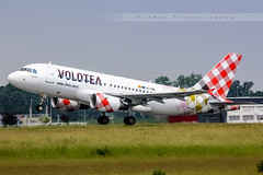 LIL - Airbus A319-111 (EI-FML) Volotea (Aro'Passion) Tags: canon photography one airport photos mama airbus lil rotation lille airlines named rotate dcollage lfqq lesquin a319111 natw 60d aropassion monteinitiale volotea variopositif eifml