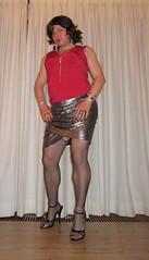 silver skirt and fishnets in black sandals (Barb78ara) Tags: highheels sandals skirt heels fishnets stilettoheels nylon anklet redtop paintednails blacksandals paintedtoes silverskirt