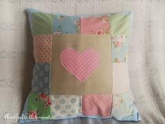 Almofada Corao I (AnnCrafts Artesanato) Tags: heart linen amor pillow corao patchwork tilda decorao almofada linho