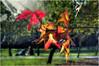 (0325/14) Otoño romántico (Pablo Arias) Tags: madrid park parque autumn trees friends españa naturaleza amigos nature photoshop spain colours arboles parks colores nikond50 otoño atardeceres hdr texturas parquedelretiro smörgåsbord parques composición photomatix nikkor28100 olequebonito kddsnikonistas greatmanipulart grouptripod olétusfotos goldenvisions pabloarias
