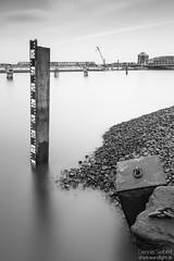 Irgendwo im Hafen (Dennis Siebert) Tags: hamburg mooring hafen muring leefilter dalben holthusenkai lensinghouse moorungstein muringstein
