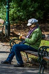 Active Ageing in Vienna (medbiker1965) Tags: vienna wien park herbst menschen tele alter aging personen senioren teilhabe tierwelt lebenswege activeaging activeageing
