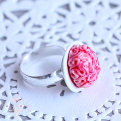 Bague Bloody Brain 2 (Suki.Faith) Tags: halloween miniature blood fear jewelry brain bijoux ring fimo clay gore bloody sang frisson bague horreur peur cerveau miniaturefood cervelle
