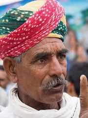 Making a point (DarkLantern) Tags: colour style fair olympus turban pushkar indien rajasthan omd inde mela rabari raika   em10 40150mm