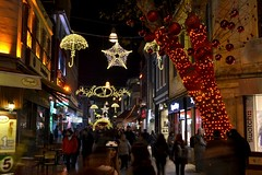 Kadky'de hayat baka... (ardac) Tags: christmas new light k night umbrella turkey star evening maple year trkiye decoration illumination noel istanbul dressing yeni gece kadky k yl akam ylba yldz nar ssleme ar emsiye giydirme klandrma