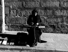 Street Musician, Toledo (nautilus8052002) Tags: street bw musicians nikon snapshot toledo f28 musicos 2470 d4s