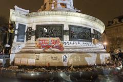 Charlie -6 (pixiduc) Tags: paris charlie tribute hommage republique charliehebdo placedelarepublique hebdo noussommescharlie jesuischarlie