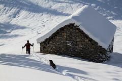 Una Visita alla Pescia Lunga (Roveclimb) Tags: winter mountain snow alps ticino hiking pass hut neve alm locarno monte svizzera inverno alpi montagna alpe passo comino forcella centovalli escursionismo alpeggio lionza verdasio pizzin bocchetta pianascio pescialunga montidicomino