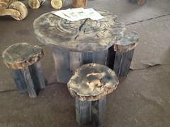 IMG_1152 (serafinocugnod) Tags: legno tavoli
