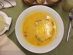 """Trujillo: una chupe de pescado (soupe de poisson avec du riz, des petits pois, du maïs et un oeuf) <a style=""""margin-left:10px; font-size:0.8em;"""" href=""""http://www.flickr.com/photos/127723101@N04/27233700984/"""" target=""""_blank"""">@flickr</a>"""