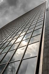 Drei Scheiben Haus Diagonal (ARTUS8f) Tags: flickr pattern wolken struktur dsseldorf spiegelung muster diagonale wolkenkratzer linien geometrisch modernearchitektur