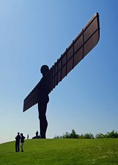 Scale (WISEBUYS21) Tags: theangelofthenorth angel north gateshead newcastle newcastleupontyne tyneandwear washington a1 iron sculpture wingspan wings sun blue sky rusty rita wisebuys21 sirantonygormley 20metrestall 54metresacross completedin1998 wideangle or wideangel greengrass gatesheadcouncil industry riveting rivet motorway sunshine halo