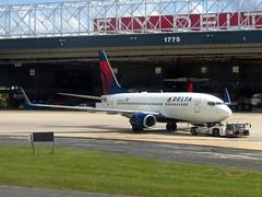 N304DQ (redlegsfan21) Tags: atlanta lines airport atl air dal delta international boeing dl hartsfieldjackson 737700 katl n304dq