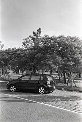 img019 (Yu,Tsai) Tags: film car 50mm iso400 elmar leitz elmar5cmf35 volkswagenpolo9n3 gtx970 rolleiretro400s leicaiiifreddialselftimer