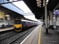 150102 First Great Western at Cheltenham (27/12/2014) (Neswulf) Tags: england train december swindon engine cheltenham firstgreatwestern 2014 fgw class150 cheltenhamrailwaystation december2014