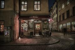 El clido Caf Nova (pimontes) Tags: caf night noche ventanas nocturna cafeteria estocolmo calles suecia lmparas