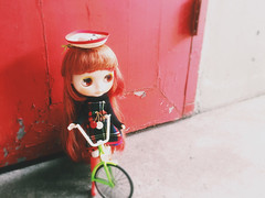 #Sunnyday  #love #blythe #doll # #ahcahcumzukin #red #vscocam #colors (TOETY LIANG) Tags: red love colors doll blythe  sunnyday ahcahcumzukin vscocam