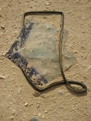2014-11-06 14.26.08 (felipefonseca) Tags: trip junk tires fieldtrip lixo qatar craftsmen gambiarra vcuq repairmen mfavcuq