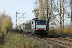 E-loc 189 105-0(Millingen 23-11-2014) (Ronnie Venhorst) Tags: railroad holland train canon deutschland eos rebel reclame d siemens eisenbahn rail railway zug bahnhof cargo 64 railwaystation loc mm 105 t3 es bahn railways f4 trein spoor logistics duitsland 1100 189 spoorwegen lok treinen 2014 spoorweg ketel elok millingen 1435 gmbh eloc mrce lte br189 dispolok 1100d materieel ketelwagen keteltrein containertrein ddispo eos1100d spoormaterieel eos1100 boboel