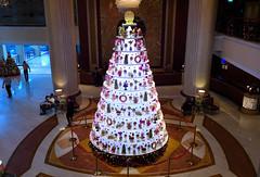Img432613nx2_conv (veryamateurish) Tags: christmas singapore christmastree shangrilahotel