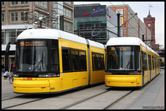 BVG Flexity 8009 & 8022 (Xavier Bayod Farr) Tags: berlin germany tram alexanderplatz xavier tramway berliner strassenbahn tranvia villamos bvg  tramvia bayod verkehrsbetriebe 8009 8022 farr elektrika berlinerverkehrsbetriebe strasenbahn flexity canoneos60d efs18135mmf3556isstm xavierbayod xavierbayodfarr