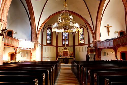"Lutherkirche Soltau 2015 (7/10) • <a style=""font-size:0.8em;"" href=""http://www.flickr.com/photos/69570948@N04/16300930411/"" target=""_blank"">Auf Flickr ansehen</a>"