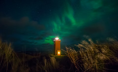 KP5 (el_farero) Tags: sky lighthouse green canon stars faro lights iceland nightshot nocturna northern borealis maglite auroraboreal