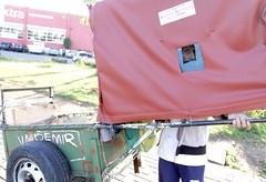 Por Aí-Catador de reciclgagem-Diadema-SP. (nariobarbosa) Tags: brasil saopaulo rua diadema reciclagem brasilian catador papelao porai