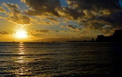 Sea of Tranquility (jcc55883) Tags: ocean sunset sky clouds hawaii nikon oahu horizon pacificocean nikond3200 d3200 kapiolanibeachpark