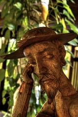 Un Quijote sin su Sancho /Don Quixote without Sancho (drlopezfranco) Tags: wood statue madera resort estatua donquixote puntacana republicadominicana paradisus donquijote