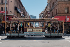 Cable car (1oeil2yeux) Tags: sf sanfrancisco voyage ca vacances chinatown cablecar marketstreet californiastreet tramway nobhill vanness californie grantave