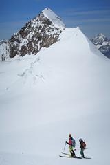 Skiers and Lyskamm (iainmccurdy) Tags: monterosa italianalps aostavalley lyskamm canong7xmarkii