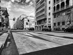 Milano - Luglio 2015 - V.le Tunisia (Maurizio Tattoni....) Tags: blackandwhite bw italy milano bn lombardia biancoenero monocrome mauriziotattoni vletunisia