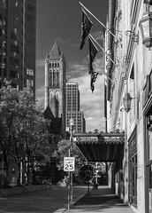 Grant Street - Pittsburgh (Philip Scott Johnson) Tags: pittsburgh pittsburghpennsylvania downtownpittsburgh pennsylvania grantstreet williampennhotel alleghenycountycourthouse