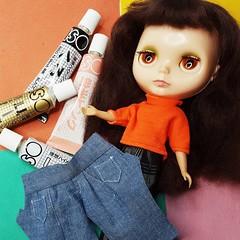 Anouk + jeans + paint = ? 😄
