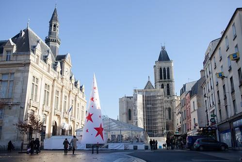 La Foire des Savoir Faire Solidaires s'installe chaque année sur le parvis de la Basilique de Saint-Denis © M. Rondel