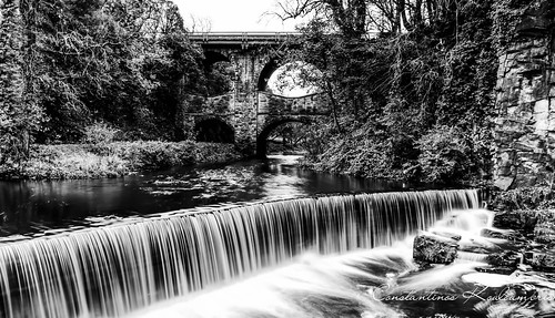 Torrs Hydro at New Mills Black and White