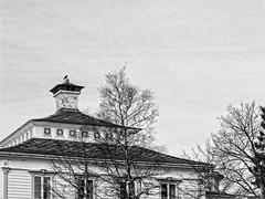 Flien Folkerestaurant (Maudnait) Tags: trees blackandwhite building trer mona bergen flyen trr flien bygning byggnad svartoghvit svarthvit sortoghvid svartochvitt folkerestaurant maudhnait maudnait