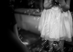 20141225 (zzkt) Tags: f14 au bubbles glenelg greyscale iso160 leicasummiluxm35mmf14asph leicam9 sec secatf14
