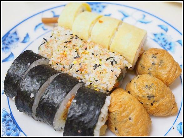 通化街(臨江街)夜市美食 ▎今日壽司店、正宗紅花香腸、阿婆豬血糕