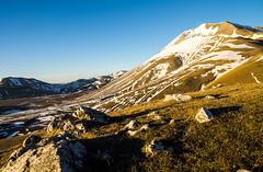 monte vettore (antonyshaw) Tags: mountain snow rocks pentax neve monte tamron roccia plain marche umbria lightroom pianura vettore 1750f28 casteluccio k5iis