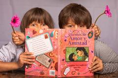 Feliz cumpleaos Sonia!! :-) (Nathalie Le Bris) Tags: birthday book cuento libro cumpleaos congratulation livre tale anniversaire conte felicitacin