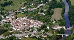 Montricoux et son moulin sur l'Aveyron (Franois Magne) Tags: moulin village place ciel prairie paysage rue extrieur glise vue antenne ulm champ vues aveyron aerienne ariennes montricoux pendulaire